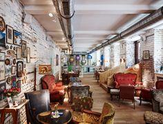 Vollpension Wien - the cutest café in Vienna Restaurant Design, Cafe Restaurant, Industrial Restaurant, Hipster Cafe, Cosy Cafe, Café Bar, Chula, W Hotel, Estilo Boho