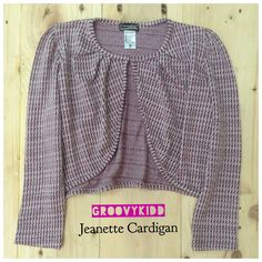 Jeanette Cardigan PRODUCT TYPE : Knitwear MATERIAL : Cotton PRICE : 100k  Available size :  1 years :   2 years :   3 years :   4 years :   5 years :  7 Years :   For further information , you can contact us through SMS/WA: 081320942222 line ID : groovykidd bbm : 52AA2CC5 Phone :022-87788662 Please put your data as below -NAME -ADDRESS -PHONE NUMBER -E-MAIL -ORDER  WE WILL NOT REPLY COMMENT ON PICTURE Seluruh pertanyaan mengenai detail produk, harap hubungi admin kami.terima kasih.