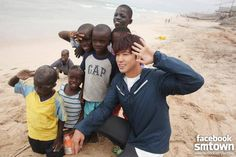TVXQ's Yunho and his fans open up an education center in Bongo, Ghana! | http://www.allkpop.com/article/2015/02/tvxqs-yunho-and-his-fans-open-up-an-education-center-in-bongo-ghana