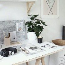 Aesthetic White Bedroom Tumblr Fres Hoom Aesthetics Interior Aesthetic Bedroom Aesthetic Bedroom Simple Interior Design Desk Inspiration