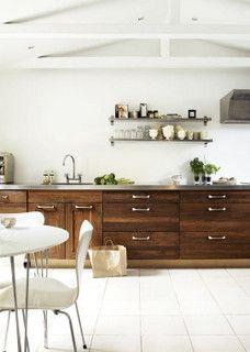Danish kitchen by 山茶雀, via Flickr