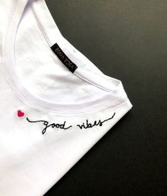 camiseta feminina brava rosa good vibes bordada trending t-shirt from our store and get up to off. You will not find this rare t-shirt in any other store, so grab this Limited Time Discount Now! Embroidery On Clothes, Embroidered Clothes, Diy Embroidery, Embroidery Stitches, Embroidery Patterns, Broderie Simple, T-shirt Broderie, Kleidung Design, Summer Outfits Women