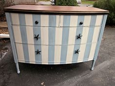 The 3 Pieces of Furniture Essential for a Shabby Chic Bedroom – We Shabby Chic Shabby Chic Bedrooms, Chic Home Decor, Home Furniture, Shabby Chic Furniture, Striped Dresser, Shabby Chic Homes, Chic Furniture, Shabby Chic, Beachy Furniture