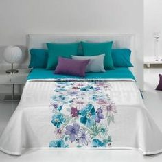 This Pin was discovered by Sed Girls Bedroom, Bedroom Decor, Floral Bedspread, Bed Runner, Dream Decor, Bed Covers, Modern Bedroom, Bed Spreads, Comforter Sets