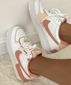 Dr Shoes, Hype Shoes, Jordan Shoes Girls, Girls Shoes, Shoes Women, Cute Sneakers, Shoes Sneakers, Shoes Heels, Jordan Sneakers