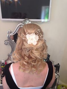 Handmade silk orchid on a simple half up half down do!