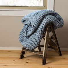 Your Lifestyle by Donna Sharp Chunky Knit Throw - Overstock - 21529411 Knitted Blankets, Merino Wool Blanket, Throw Blankets, Beautiful Bedding Sets, Chunky Knit Throw, Visual Texture, Soft And Gentle, Mermaid Blanket, Arm Knitting