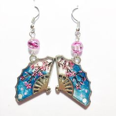 """Mi piace"": 64, commenti: 1 - essewaydream creation (@essewaydream) su Instagram: ""Cherry blossom fans earrings #crystal #uvresin #resina #resin #fan #flower #fantasy #japan #jewelry…"""