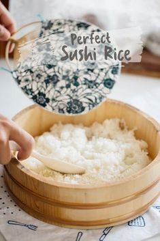 How to make perfect sushi rice. Recipe with step by step photos and three tips to make sushi rice like Japanese do perfectly! No more mushy sushi rice! Perfect Sushi Rice Recipe, Best Sushi Rice, Sushi Rice Recipes, Making Sushi Rice, Rice For Sushi, How To Make Sushi, Food To Make, Sushi At Home, Gastronomia