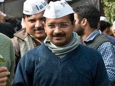नई दिल्ली, दिल्ली विधानसभा चुनाव की मंगलवार को जारी मतगणना के शुरुआती रुझानों में आम आदमी पार्टी (आप) स्पष्ट बहुमत की अौर अग्रसर है। निर्वाचन आयोग के आंकड़ों के मुताबिक, सुबह 9.26 बजे तक आप 40 सीटों पर, भारतीय जनता पार्टी (भाजपा) 12 सीटों पर और कांग्रेस तीन सीटों पर आगे चल रही है।