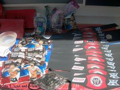 DIY wrestling belts and goodie bags birthday boy party