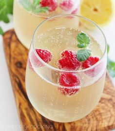 When you think of New Year's Eve drinks, the first thing you probably think of is champagne. After all, what goes together better than bringing in the new year while toasting the people around you with a few New Year's Eve champagne cocktails? And ho