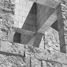 Travertine cladding, contrasted rustic and fine finishes Getty Centre (1984-1997), Lost Angeles, USA Richard Meier