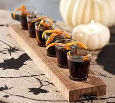 Google Image Result for http://www.modresdes.com/wp-content/uploads/2010/10/cool-Halloween-decorating-ideas-4.jpg