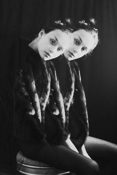(3) Tumblr Black Image, Beautiful Images, Digital Art, Black And White, Random, People, Photography, Fashion, Moda