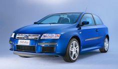 O ligeiro facelift em 2004 traz vários novos recursos sob o capô do Fiat Stilo : o motor 1.2 a gasolina é substituído por um mais poderoso 1.4 de 95 cv, o poder do 1.9 JTD aumentou 80-101 cv e recebe um novo 1.9 turbodiesel MJ 140 CV. Um ano mais tarde, a revista é a gama de motores a diesel, que consiste em uma hp 1.9 MJT 120 e 150. A segunda reestilização de 2006  remove a partir de mecanismos de circulação 1.8 e 2.4 e, em 2007, a única unidade de esquerda é o 1.9 diesel menos potente.