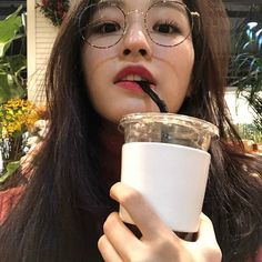 Read Shin Yeeun ( Yene from the story Ulzzang List by checkmeeh (Yours) with reads. Ulzzang Korean Girl, Cute Korean Girl, Asian Girl, Aesthetic Korea, Aesthetic Girl, Korean Boy Names, Ulzzang Glasses, Ullzang Boys, Girl Korea
