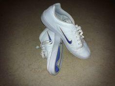 Nikes wit met blauw