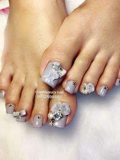 @pelikh_ nail ideas Pretty Toe Nails, Cute Toe Nails, Pretty Toes, Fancy Nails, Pedicure Designs, Pedicure Nail Art, Toe Nail Designs, Toe Nail Color, Nail Colors