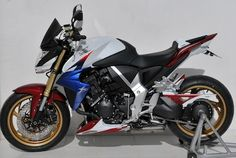 "Honda CB1000 R ""HRC"" façon Ermax. - Accessoires - CB1000R - Ermax - Honda - Tuning - Caradisiac Moto - Caradisiac.com Honda Cb, Cb 1000, Power Bike, Roadster, Classic Bikes, Motor Car, Motorbikes, Motorcycle, Vehicles"