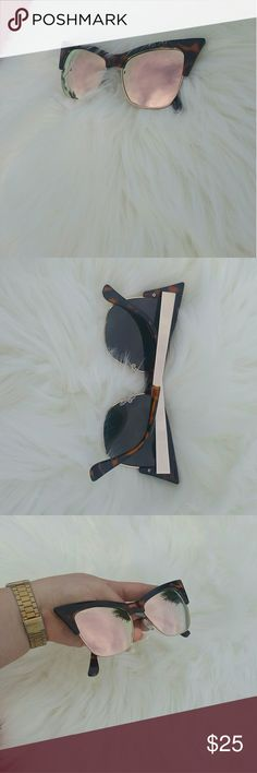 😻NEW 😻Cateye Mirror Sunglasses! Stunning frame with mirror lense!   Brand new!   Accepting only reasonable offers! Free People Accessories Sunglasses
