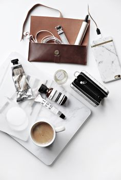 Only Deco Love: Travelling Light : What is in my in flight bag