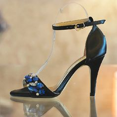 http://fashiongarments.biz/products/summer-ultra-luxurious-black-crystal-rhinestone-high-heeled-sandals-wedding-dress-shoes-womens-formal-shoes-bridesmaid-shoes/,    Welcome to our Store        USD 90.00/pairUSD 90.00/pairUSD 95.00/pairUSD 110.00/pairUSD 69.99/pairUSD 84.90/pairUSD 89.99/piece  Description:  Color: Black  Toe Shape: Peep Toe, Open Toe   Upper Material: Satin  Heel Height: 8 cm/ 3.15 Inches  Size in stock: EUR 34, EUR 35, EUR ...,   , fashion garments store with free shipping…