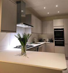 Ice White Apollo Slab Tech by Kimpton Interior Design via Instagram Dove Grey, Love Design, Apollo, Soho, Kitchen Cabinets, Tech, Interior Design, Furniture, Instagram