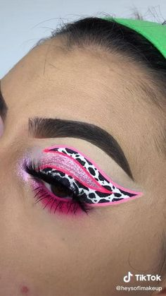 Makeup Eye Looks, Eye Makeup Art, Crazy Makeup, Eye Makeup Tips, Makeup Videos, Makeup Inspo, Eyeshadow Makeup, Makeup Inspiration, Hair Makeup