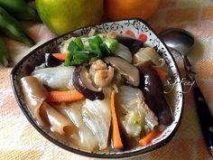 """這道菜是阿嬤的""""手路菜"""",我們簡稱""""魚皮"""",全家大小四代都愛,它就是有我家阿嬤獨特的味道,一定要有薑味、烏醋味與香、麻油香,湯頭要有濃濃的魚皮膠質感與微辣口感。"""