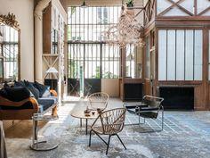 Passage Landrieu, loft à Paris House Design, Interior, Home, Paris Loft, Minimalist Living Room, House Styles, Vacation Home Rentals, Living Room Inspiration, Interior Design
