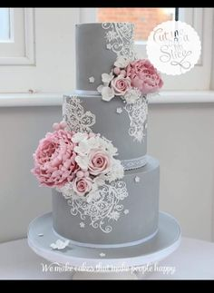 Wedding cake inspiration elegant grey and pink wedding cake The Effective Pictures We Offer You About chocolate wedding cake slice A quality picture can tell you many things. You can find the most bea Fondant Wedding Cakes, Wedding Cakes With Cupcakes, Wedding Cakes With Flowers, Cake Fondant, Cake Flowers, Cupcakes Fall, Flower Cakes, Colourful Wedding Cake, Wedding Cake Rustic