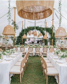 Wedding Reception Centerpieces, Wedding Venue Decorations, Wedding Venues, Wedding Ideas, Wedding Inspiration, Wedding Blog, Wedding Details, Wedding Planner, Marquee Wedding