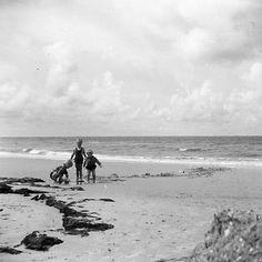 Schouwen en Duiveland. Zomer 1959. Beach, Outdoor, Outdoors, The Beach, Beaches, Outdoor Games, The Great Outdoors