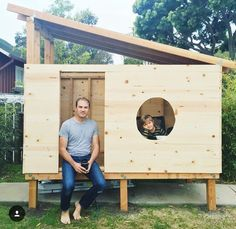 Modern playhouse DIY project