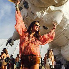 Pin for Later: Die Stars hinter den Kulissen beim Coachella-Festival  Alessandra Ambrosio tanzte ausgelassen.  Source: Instagram user alessandraambrosio