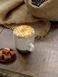 Caramel Macchiato ile keyif zamanı TerraCity Starbucks'ta!  #terracity #antalya #starbucks