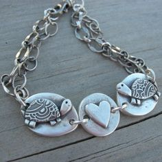 Heart Jewelry Turtle Love Bracelet Valentine by westbyron on Etsy Turtle Jewelry, Heart Jewelry, Clay Jewelry, Unique Jewelry, Jewelry Ideas, Vintage Fur, Retro Vintage, Vintage Style, Retro Style