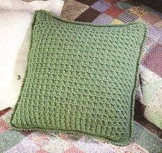 Transcendent Crochet a Solid Granny Square Ideas. Inconceivable Crochet a Solid Granny Square Ideas. Crochet Home, Crochet Crafts, Easy Crochet, Crochet Projects, Free Crochet, Crochet Cushion Cover, Crochet Cushions, Crochet Pillow Covers, Knit Pillow