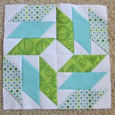 quilt video on Missouri Quilts for this block Quilting Tutorials, Quilting Projects, Quilting Designs, Sewing Projects, Patch Quilt, Rag Quilt, Quilt Block Patterns, Pattern Blocks, Modern Quilt Blocks