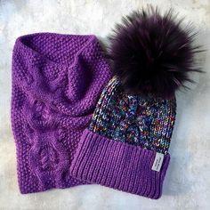 Сезон не за горамипродолжаю активную подготовкуа ещё приятно быть в свободном плавании-перебираю пряжу и вяжу по настроению впереди ждут одноцветные базовые шапочки ПРОДАН❌ Crochet Winter, Knit Or Crochet, Crochet Hats, Knitting Charts, Knitting Patterns, Crochet Patterns, Hat And Scarf Sets, Crochet Fashion, Baby Crafts