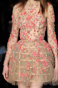 Fashion Week 2016 : Paris Haute Couture. Zuhair Murad, Printemps 2016 https://franchefranche.wordpress.com/2016/02/06/fashion-week-2016-paris-haute-couture/
