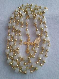 SVIETIACI Ruženec E046 / mindarka - SAShE.sk Gold Necklace, Bracelets, Jewelry, Charm Bracelets, Jewellery Making, Jewlery, Arm Bracelets, Bangles, Jewelery