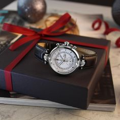 """Christmas is coming ... think of your gifts! """"Never Give Up"""" Number 8, Christmas Is Coming, Never Give Up, Bracelet, Boutique, Gifts, Accessories, Bangle, Favors"""