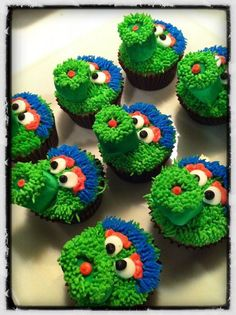 *Phanatic cupcakes!! These were a HUGE hit. Turned out so well and were fairly easy to do. I made the nose out of a chocolate covered marshmallow. Trick with them is to use a toothpick to attach the marshmallow to the cupcake. Delicious Desserts, Dessert Recipes, Yummy Food, Just Desserts, Frosting Recipes, Good Food, Cute Cupcakes, Spring Training, Sweet Treats