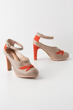 These would be so much fun to wear - and I love orange.