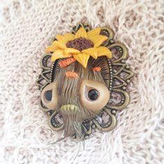 Sweet mandragora brooch 🌿🌼🌿 #mandrake #mandragora #brooch #magicalcreatures #plantsofinstagram #plants #collectibles #littlemonster #cute #creepy #creepycute #fantasy #fantasycreature #polymerclay #wip #sculpture #sculpey #handmade #fimo #jewellery #etsy #clay #creative #mosweetfactory #mo_creatures #niezchinzpasji #ooak #originalart #fimojewelry