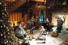 New York City Christmas Displays   New York City - 2007 Lord & Taylor Holiday Window Display - The Sounds ...
