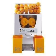 Exprimidoras automáticas de zumo de naranjas de alimentación manual con cesta de almacenaje que permite almacenar 4 Kg. de naranjas.