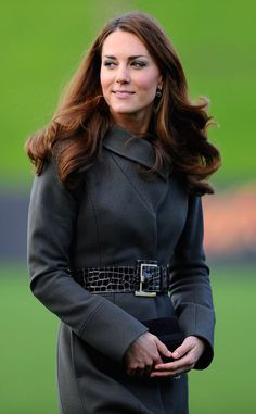 Kate Middleton wore a Reiss coat yesterday to join her husband, Prince William, at a special soccer event. Kate Middleton Makeup, Kate Middleton Photos, Kate Middleton Style, Prince William And Kate, William Kate, Prince Phillip, St George's Park, Duchesse Kate, Princesse Kate Middleton